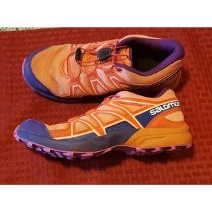 Saloman Speed Cross sneakers. Size 4.
